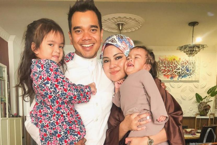 alif satar keluarga
